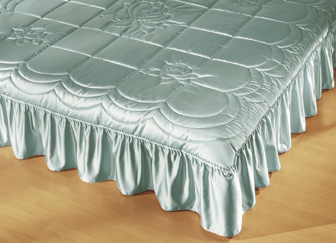 tagesdecke in verschiedenen farben tagesdecken bader. Black Bedroom Furniture Sets. Home Design Ideas