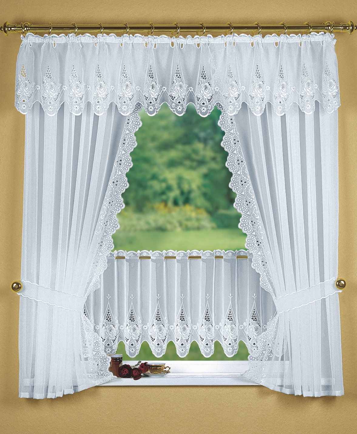 Fensterdekoration in verschiedenen Farben - Gardinen | BADER