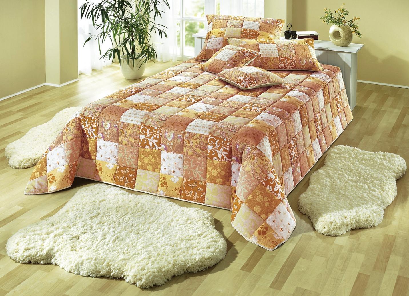 wohn accessoires in patchwork optik tagesdecken bader. Black Bedroom Furniture Sets. Home Design Ideas