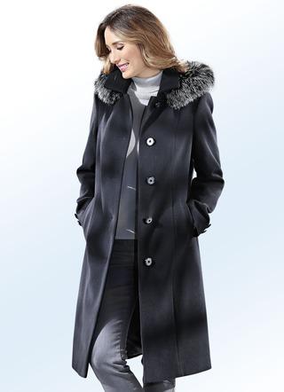 Schwarzer mantel winter