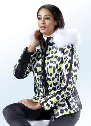 Hochwertige Damenjacken in schönen Designs und Farben