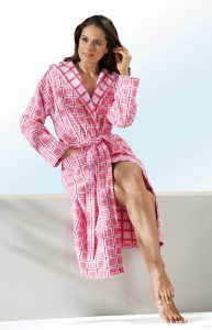 Hauskleid mit V-Ausschnitt und Seitenschlitzen - Auf dem Weg zu mehr Lebensfreude