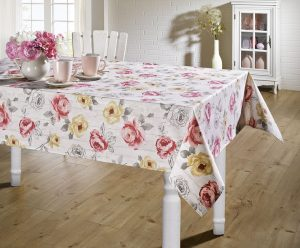 Tischdekoration in Blümchen-Motiven in zartem Rosé - Muttertagsbrunch Rezepte