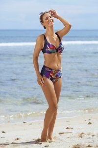 Bikini mit Softschalen, Raffungen und Zierschlaufe - Strandbekleidung